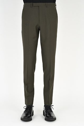 "<span class=""restock"">再入荷</span> SLIM SLACKS"