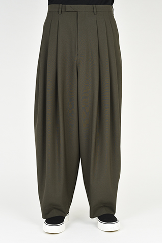 "<span class=""restock"">再入荷</span> 3TUCK WIDE SLACKS"